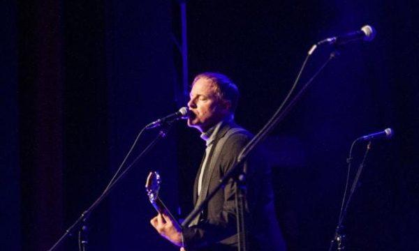 Peter side at Ballhaus zum fidelen Anreischken in Duderstadt as support for Carl Carlton and the Songdogs in October 2019